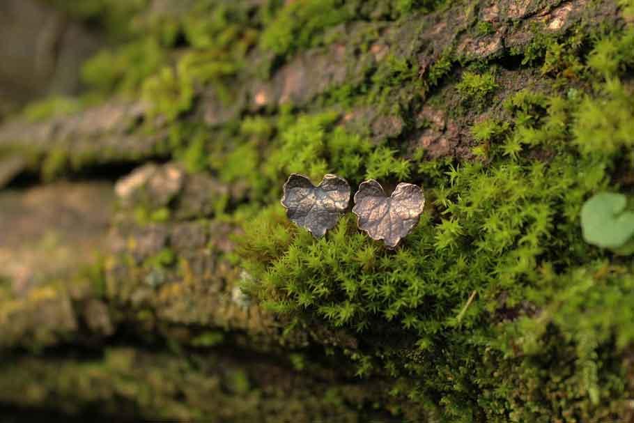 Boucles-puces-lierre-bronze