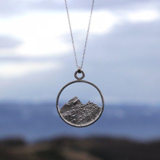 Collier Montagnes en argent massif recyclé